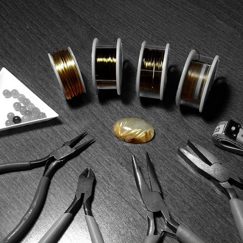Outils wire wrapping : pinces, fils, perles, cabochons...