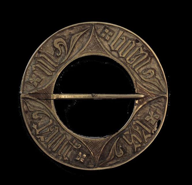 Bijou médiéval - broche annulaire